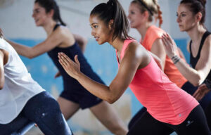 femmes pratiquant le cardio training à Roquettes
